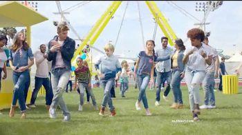Old Navy TV Spot, 'Jeans para toda la familia' [Spanish] - Thumbnail 4