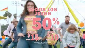 Old Navy TV Spot, 'Jeans para toda la familia' [Spanish] - Thumbnail 9