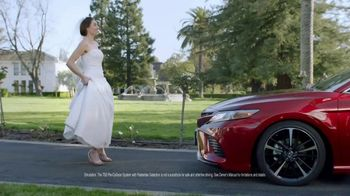 2018 Toyota Camry TV Spot, \'Never Miss a Beat\'