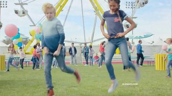 Old Navy TV Spot, 'Denim for the Whole Fam' Song by Thomas Rhett - Thumbnail 4