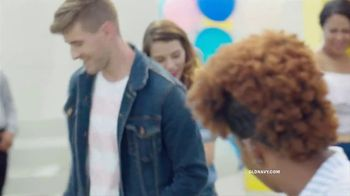 Old Navy TV Spot, 'Denim for the Whole Fam' Song by Thomas Rhett - Thumbnail 5