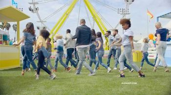 Old Navy TV Spot, 'Denim for the Whole Fam' Song by Thomas Rhett - Thumbnail 9