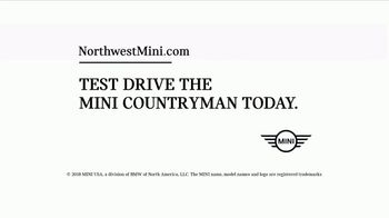 MINI Countryman TV Spot, 'More Space: In the Mountains' [T2] - Thumbnail 10