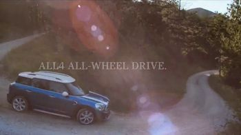 MINI Countryman TV Spot, 'More Space: In the Mountains' [T2] - Thumbnail 4