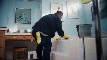 Pine Sol TV Spot, 'Bathroom' Song by Martin Solveig & GTA - Thumbnail 3
