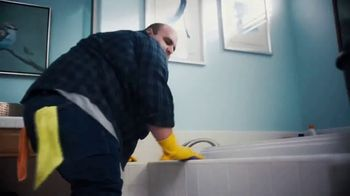 Pine Sol TV Spot, 'Bathroom' Song by Martin Solveig & GTA - Thumbnail 4