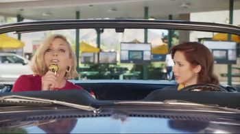 Sonic Drive-In Cookie Jar Shakes TV Spot, 'Wedding' Feat. Jane Krakowski - Thumbnail 7
