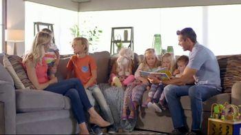 La-Z-Boy Mark Down Madness TV Spot, 'Cozy to Spacious' - Thumbnail 3