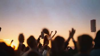 Miller Lite TV Spot, 'Concert (Outdoor) SL' [Spanish] - Thumbnail 3