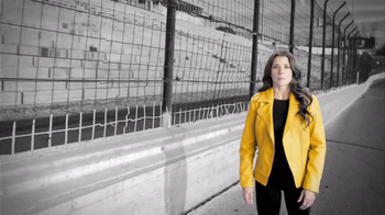Advance America TV Spot, 'Twists and Turns' Featuring Danica Patrick - Thumbnail 3