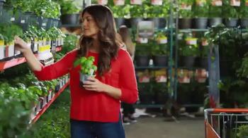 The Home Depot Spring Black Friday TV Spot, 'Al aire libre' [Spanish] - Thumbnail 5