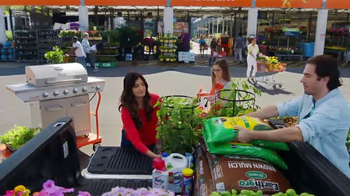 The Home Depot Spring Black Friday TV Spot, 'Al aire libre' [Spanish] - Thumbnail 6