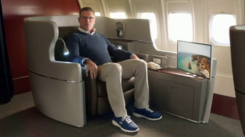 SKECHERS Wide Fit TV Spot, 'Wide Fit Casuals' con Howie Long [Spanish] - Thumbnail 5