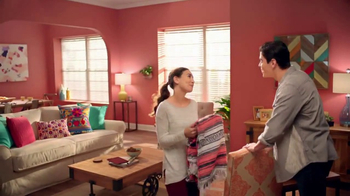 The Home Depot TV Spot, 'El color que quieres' [Spanish] - Thumbnail 7