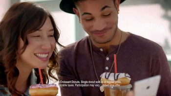 Dunkin' Donuts 2 for $2 TV Spot, 'Make Today Smile' - Thumbnail 5