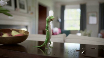 GEICO TV Spot, 'The Gecko Finds a Pool Party' - Thumbnail 1