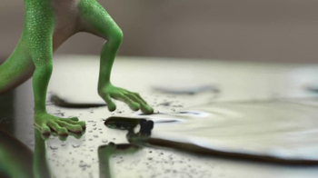GEICO TV Spot, 'The Gecko Finds a Pool Party' - Thumbnail 4