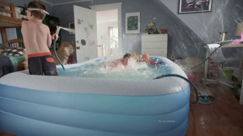 GEICO TV Spot, 'The Gecko Finds a Pool Party' - Thumbnail 6
