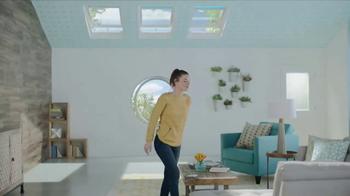 Velux Skylights TV Spot, 'Shift Your Outlook' - Thumbnail 5