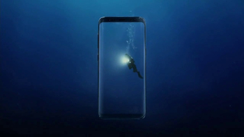 Samsung Galaxy S8 TV Spot, 'Unbox Your Phone: Diver' - Thumbnail 3