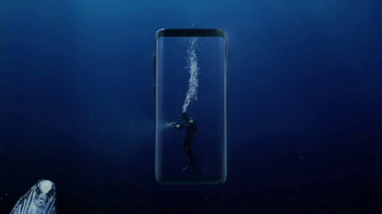 Samsung Galaxy S8 TV Spot, 'Unbox Your Phone: Diver' - Thumbnail 4