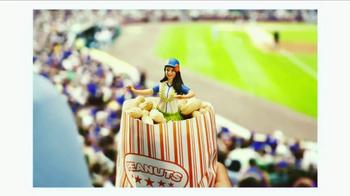 Hanna Catches a Baseball Game thumbnail