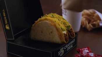 Taco Bell $5 Cravings Deal TV Spot, 'Los favoritos de Luisa' [Spanish] - Thumbnail 4