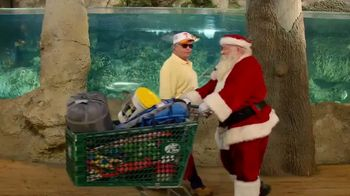 Bass Pro Shops Christmas Sale TV Spot, 'Last-Minute Gifts: Throws & Shirts' - Thumbnail 2
