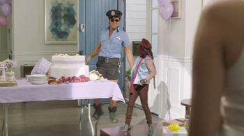 Diet Dr Pepper TV Spot, 'Bridal Shower' Featuring Justin Guarini - Thumbnail 8