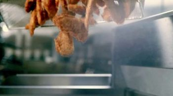 Raising Cane's Chicken Fingers TV Spot, 'Home Alone 2 for the Holidays' - Thumbnail 4