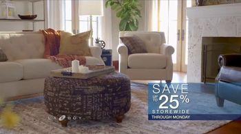La-Z-Boy Year End Sale TV Spot, 'Family Photo' - Thumbnail 5