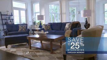 La-Z-Boy Year End Sale TV Spot, 'Family Photo' - Thumbnail 6