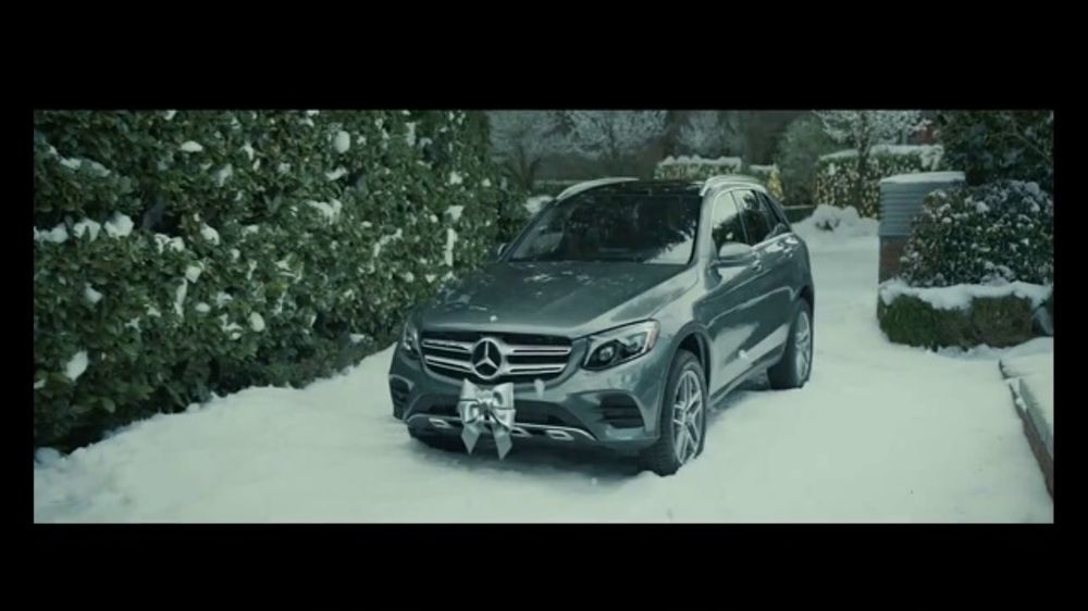 mercedes benz winter event tv commercial 39 one wish 2018. Black Bedroom Furniture Sets. Home Design Ideas