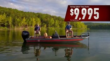 Bass Pro Shops After Christmas Clearance Sale TV Spot, 'Tracker Fishing' - Thumbnail 8