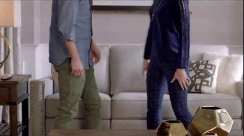 La-Z-Boy Year End Sale TV Spot, 'Best of Both' - Thumbnail 5
