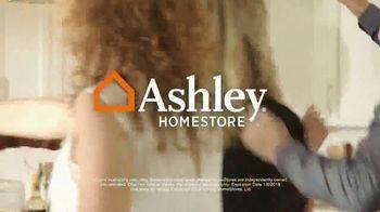 Ashley HomeStore New Year's Savings Bash TV Spot, 'New Home: Mattress' - Thumbnail 10