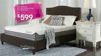 Ashley HomeStore New Year's Savings Bash TV Spot, 'New Home: Mattress' - Thumbnail 5
