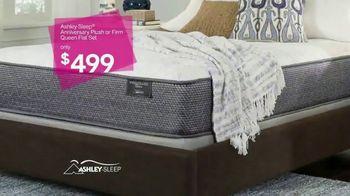 Ashley HomeStore New Year's Savings Bash TV Spot, 'New Home: Mattress' - Thumbnail 6