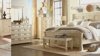 Ashley HomeStore New Year's Sale TV Spot, 'Free Delivery' - Thumbnail 4