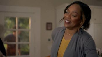 Banquet Chicken Pot Pie TV Spot, 'Feel Like Family' - Thumbnail 5