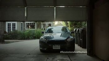 Allstate TV Spot, 'Mayhem: Resolutions' Featuring Dean Winters - Thumbnail 5