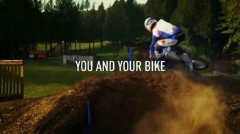 2018 Yamaha YZ450F TV Spot, 'Connected As One' - Thumbnail 7