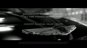 2018 Genesis G80 TV Spot, 'Loved and Awarded' Song by Izzy Bizu - Thumbnail 4