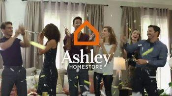 Ashley HomeStore New Year's Savings Bash TV Spot, 'It's a New Year' - Thumbnail 4