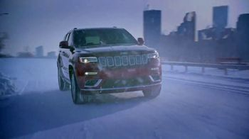 Jeep Big Finish TV Spot, 'Weather Report' Song by Imagine Dragons [T2] - Thumbnail 6