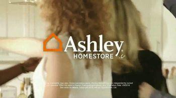 Ashley HomeStore New Year's Savings Bash TV Spot, 'Ashley Sleep Sets' - Thumbnail 10