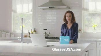 GlassesUSA.com TV Spot, 'Everybody is Buying Glasses Online: End of Year' - Thumbnail 1