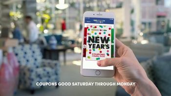 Rooms to Go New Year's Sale TV Spot, 'In the Palm of Your Hand' - Thumbnail 4