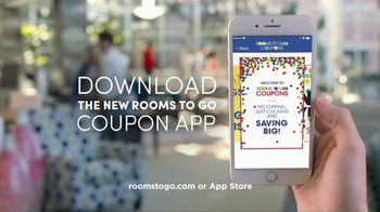 Rooms to Go New Year's Sale TV Spot, 'In the Palm of Your Hand' - Thumbnail 8