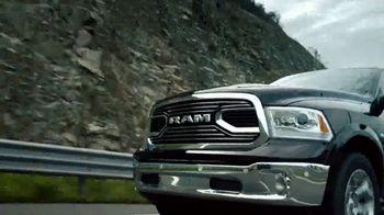Ram Trucks TV Spot, 'Tu respondes' [Spanish] [T1] - Thumbnail 2